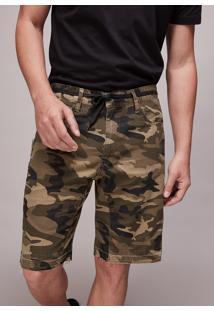 Bermuda De Sarja Masculina Estampada Camuflada Com Faixa E Bolsos Verde Militar
