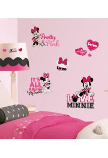 Minnie Loves