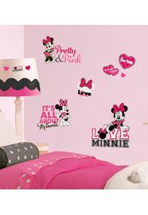 Minnie Loves