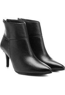 Bota Couro Cano Curto Shoestock Bico Fino - Feminino-Preto