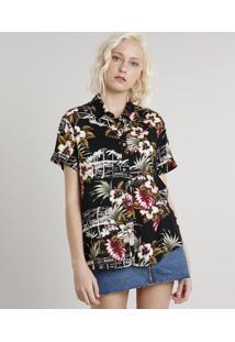 Camisa Feminina Estampada Tropical Com Fenda Manga Curta Preta