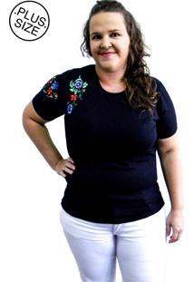 Camiseta Hifen Bordada Em Floral Plus Size Preto