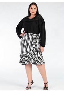 Blusa Plus Size Preta Com Recorte Bordado