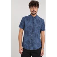 e1bae819b0 Camisa Jeans Masculina Estampada De Folhagem Com Bolso Manga Curta Azul  Escuro