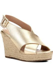 Sandália Anabela Shoestock Couro Tiras Cruzadas Feminina - Feminino-Ouro