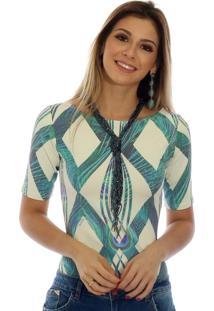 Blusa Ficalinda Proteção Solar Uv Meia Manga Geométrica Azul Com Penas De Pavão Decote Canoa