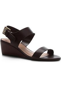 Sandália Shoestock Couro Fivela Anabela - Feminino-Marrom
