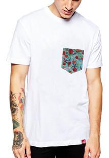Camiseta Wevans Bolso Aplique Old School 2 Branca