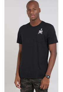 Camiseta Masculina Com Bolso E Caveira Manga Curta Gola Careca Preta