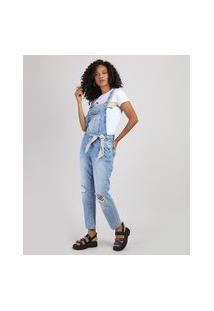 Macacão Jeans Feminino Relaxed Com Rasgos E Lenço Azul Claro