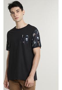 Camiseta Masculina Com Bolso Estampado De Caveiras Manga Curta Gola Careca Preta