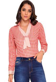 Camisa Rosa K Com Detalhe No Decote Xadrez Vermelho