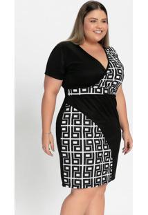 Vestido Curto Geométrico E Preto Plus Size