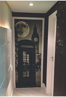 Painel Fotográfico Autocolante Para Porta Com Laminação - Cabine London (0,92M(L) X 2,15M(A))