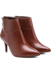 Bota Couro Cano Curto Shoestock Bico Fino - Feminino-Caramelo