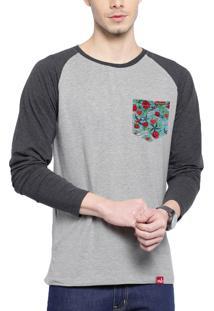 Camiseta Manga Longa Wevans Bolso Aplique Old School Cinza