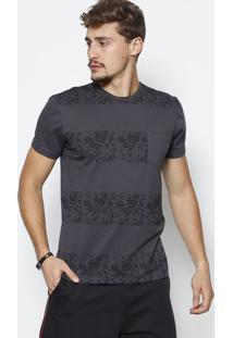 Camiseta Listrada Caveiras Com Bolso- Cinza Escurojavali