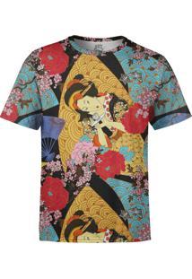Camiseta Estampada Over Fame Gueixa Multicolorida