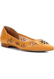 Sapatilha Couro Shoestock Bico Fino Flor Feminina - Feminino-Mostarda