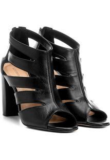 Sandália Couro Shoestock Salto Grosso Recortes Feminina - Feminino-Preto