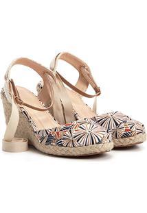 Sandália Anabela Shoestock Fechada Estampada Feminina - Feminino-Caramelo