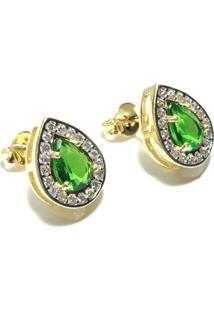 Brinco Gota Pequeno Kumbayá Semijoia Banho De Ouro 18K Cristal Verde Esmeralda Cravação De Zircônia Detalhe Em Ródio