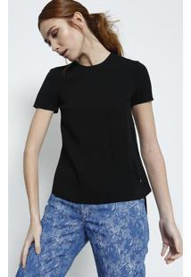 Camiseta Lisa Com Fendas - Pretaversus