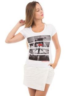 Camiseta Aes 1975 Red Umbrella Feminina - Feminino-Branco