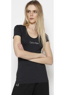 "Camiseta ""Calvin Klein Jeansâ®"" - Preta & Brancacalvin Klein"