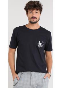 Camiseta Masculina Com Bolso De Caveira Manga Curta Gola Careca Preta