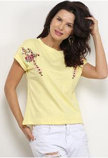 Camiseta Pérola Bordada Flor Feminina - Feminino-Amarelo
