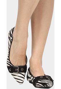 Sapatilha Couro Shoestock Bico Fino Fivela Ilhoses Pelo Feminina - Feminino-Preto+Branco
