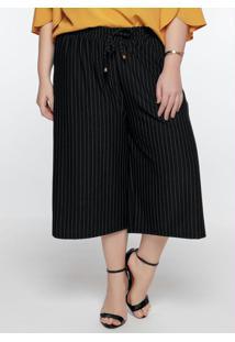 Calça Plus Size Risca De Giz Pantacourt