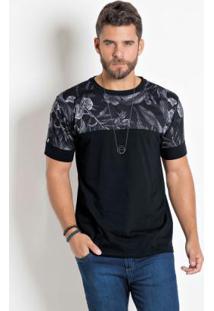 Camiseta Preta Com Recorte Estampado