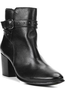 Bota Cano Curto Shoestock Couro Metais Feminina - Feminino-Preto