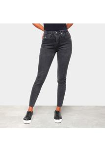Calça Jeans Skinny Calvin Klein Estonada Barra Desfiada Feminina - Feminino-Preto