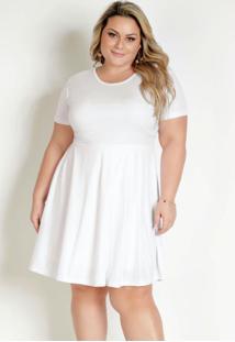 Vestido Curto Branco Com Saia Ampla Plus Size