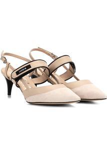 Scarpin Chanel Couro Carmim Feminino - Feminino-Areia+Preto