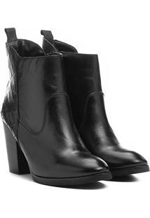 323621ace5 ... Bota Couro Cano Curto Shoestock Croco Traseiro Feminino - Feminino-Preto