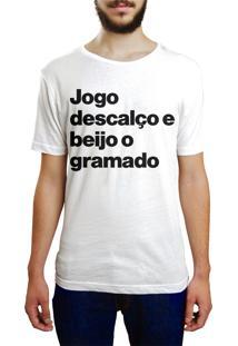 Camiseta Hunter Jogo Descalço E Beijo O Gramado Branca