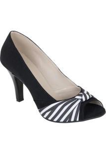 Sapato Preto Com Detalhe Listrado