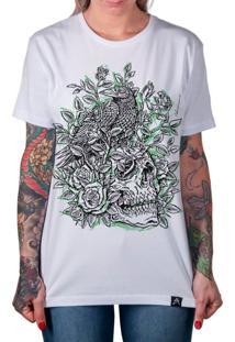Camiseta Artseries Caveira Corvo E Rosas Good Death Green Branco