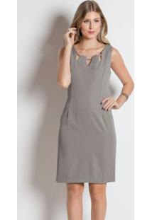 Vestido Cinza Com Detalhes No Decote