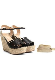 Sandália Plataforma Couro Shoestock Flor Tiras Feminina - Feminino-Preto