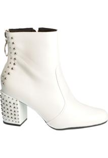 Ankle Boot Branca Com Detalhes De Tachas
