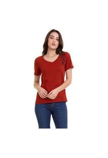 Camiseta Hifen Com Bordado Flores Vermelha
