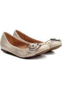 Sapatilha Couro Shoestock Fivela Tachas Feminina - Feminino-Off White