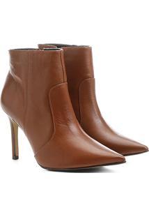Bota Couro Shoestock Curta Salto Fino Feminina - Feminino-Caramelo
