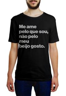 Camiseta Hunter Me Ame Pelo Que Sou E Não Pelo Meu Beijo Preta