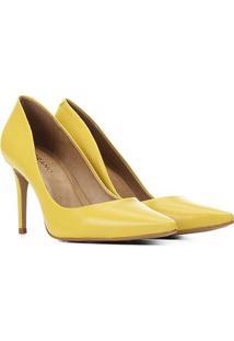 Scarpin Couro Carrano Bico Fino Feminino - Feminino-Amarelo
